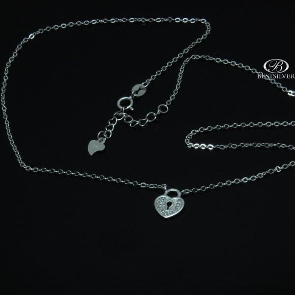 Srebrny naszyjnik z sercem rodowany z cyrkoniami Srebro 925