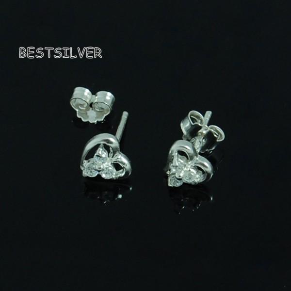 kolczyki srebrne serduszka z Cyrkoniami serca