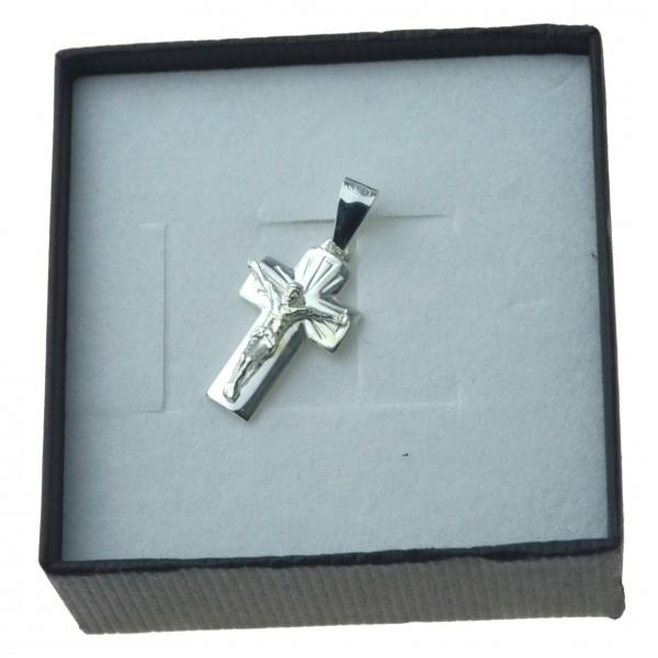 Krzyżyk srebrny z Panem Jezusem elegancki Srebro 925 KR023