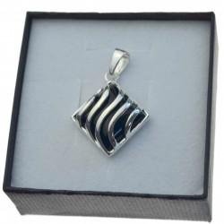 Zawieszka srebrna z czarnym kamieniem jubilerskim Srebro 925 ZA097