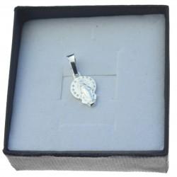 Maly medalik srebrny z matką boską srebro 925 med045